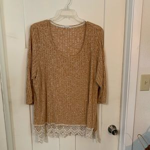 Maurice's plus 3 crochet hem top